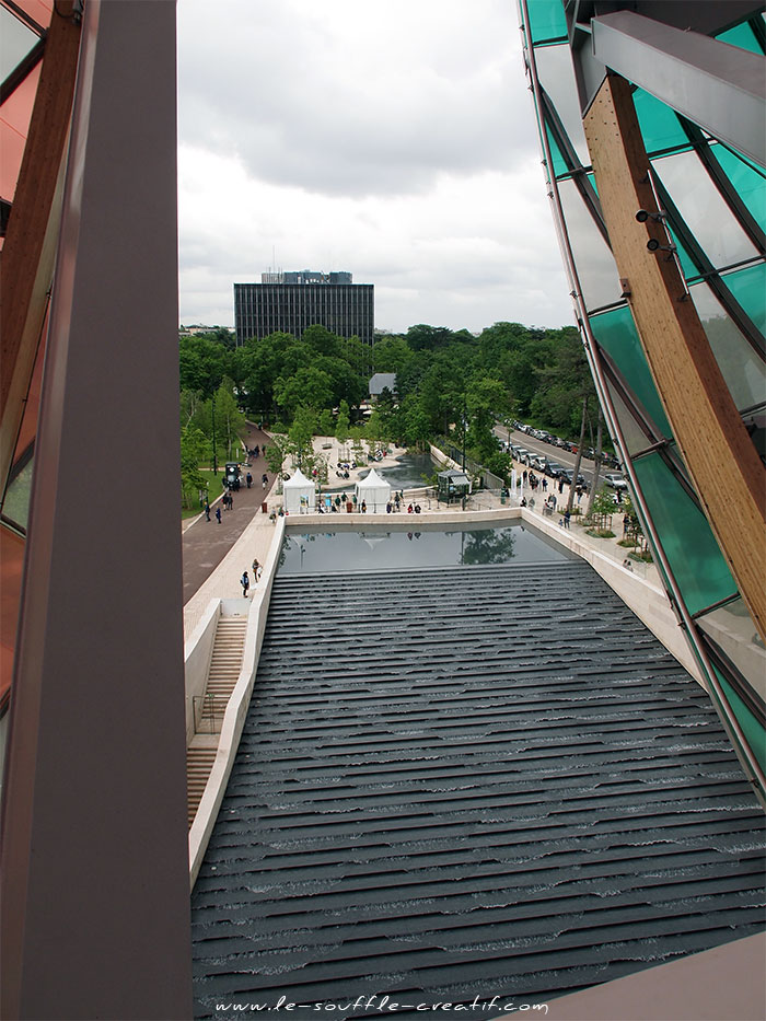 Fondation-louis-vuitton-buren-P5222813