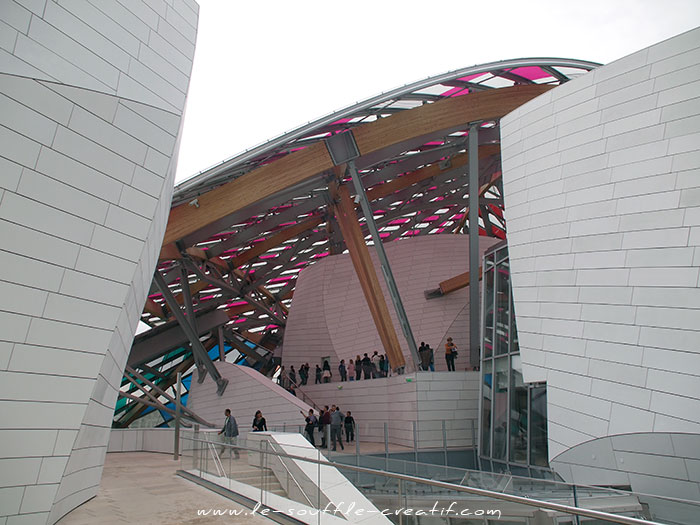 Fondation-louis-vuitton-buren-P5222885